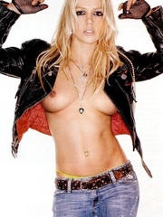 Britney Spears sucks cock and fucks!.Picture 7.